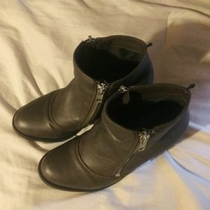H&M boots w/heels size 5.5